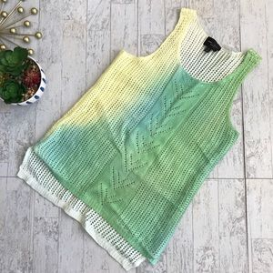 Romeo & Juliet Couture ombre sweater tank small